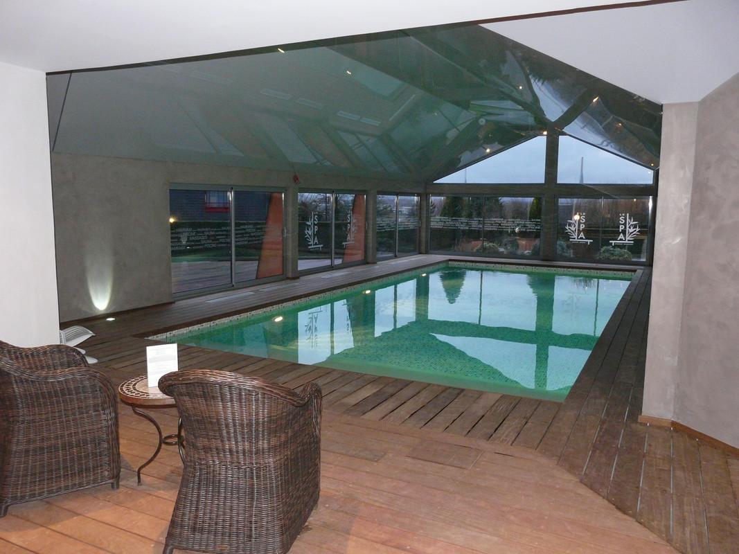 Nos piscines int rieures delalande piscines for Piscine liner vert