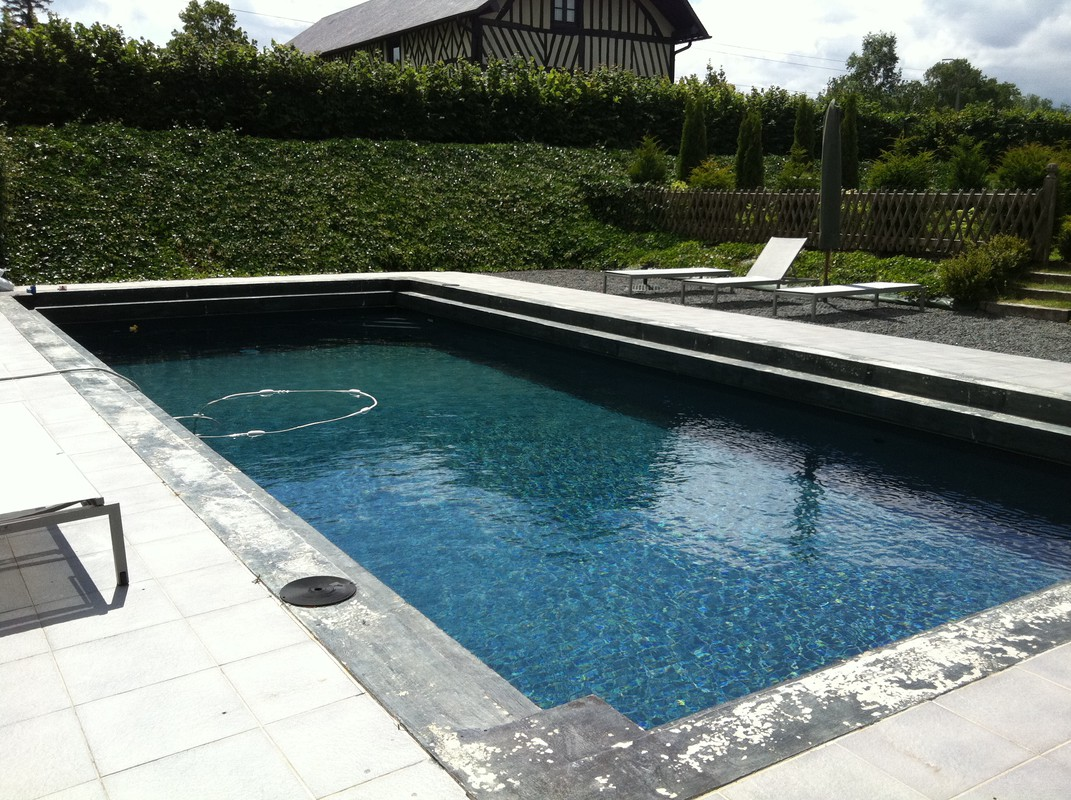 Photo de piscines r alisations dans le calvados for Piscine hors sol gris anthracite